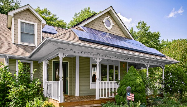 screenshot from homepage gallery © solarcity
