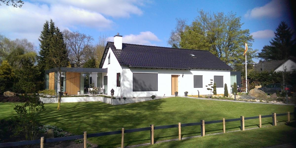 Dutch Company Debuts Solar Roof Tiles In Two Colors −